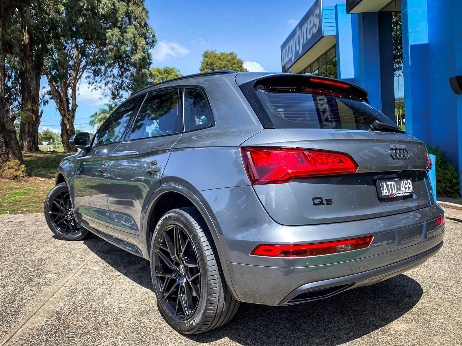 Audi Q5 on hussla jacques gloss black 3 of 4