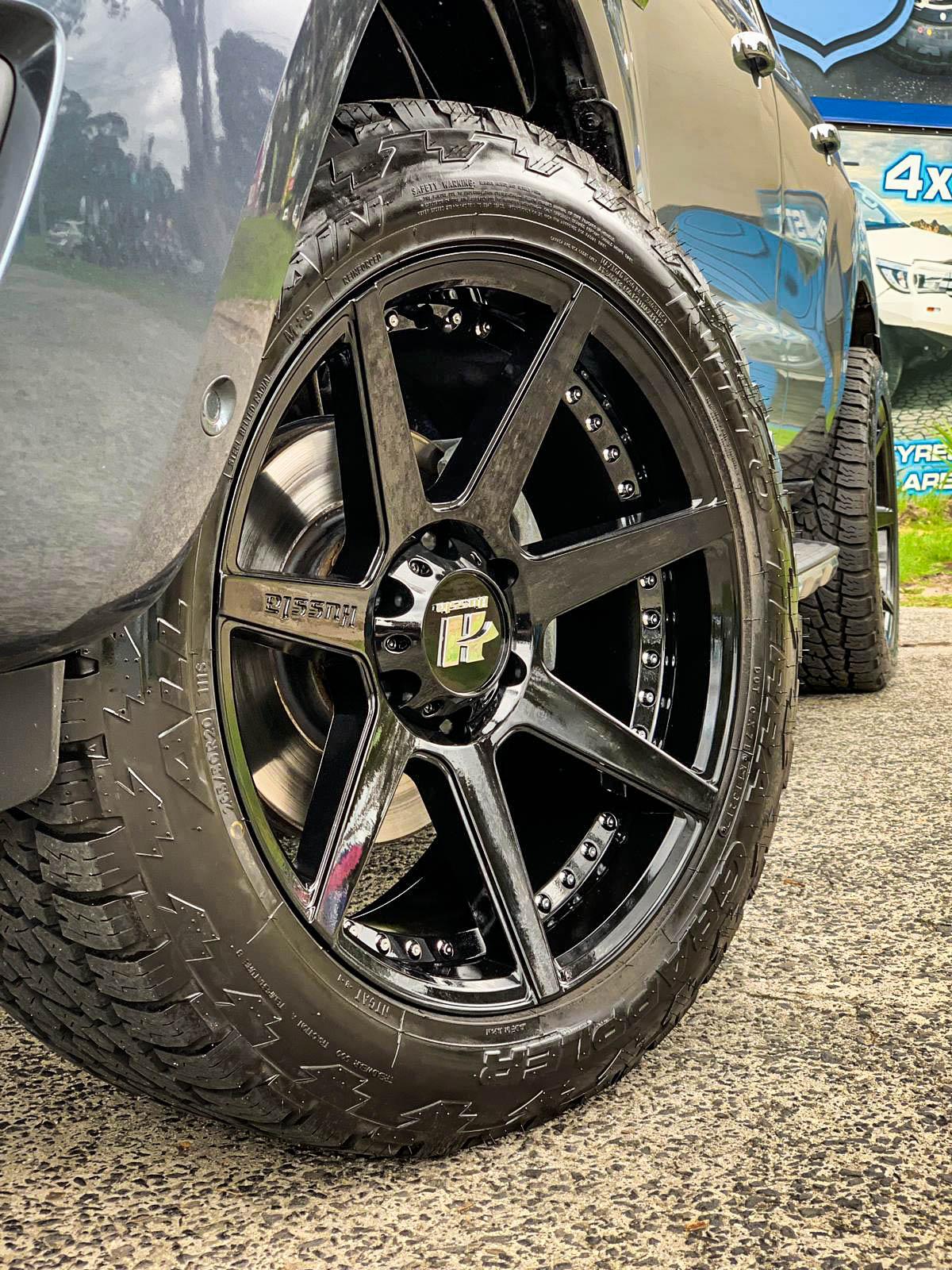 Ford everest on hussla dynasty gloss black 3