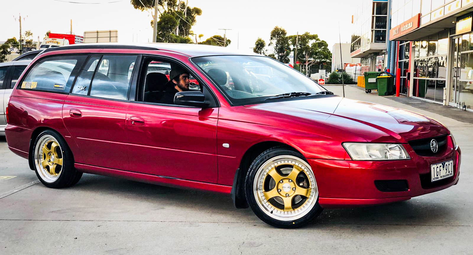 Holden Commodore on hussla zen gold (3)