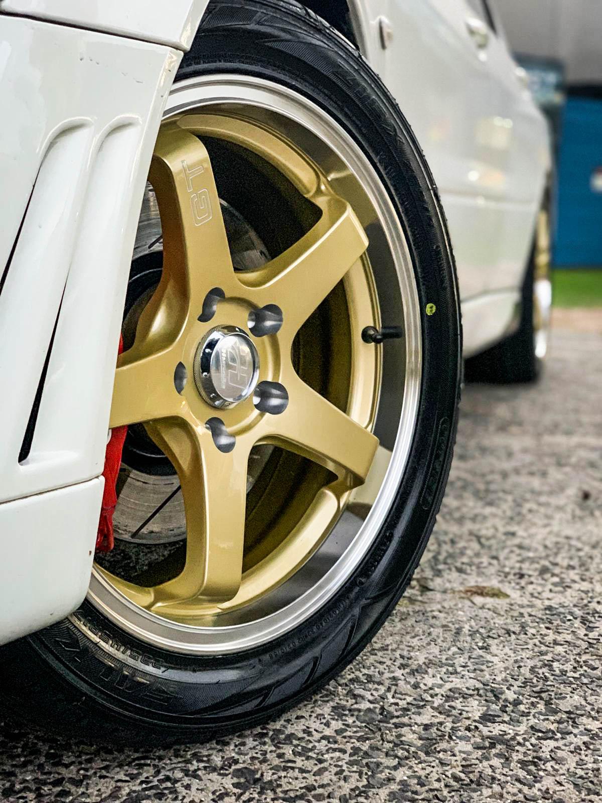 Mitsubishi evolution on hussla gt gold (1)